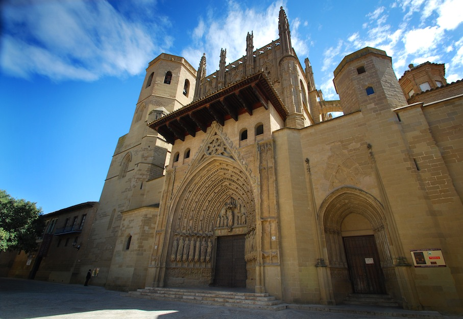 hotel and and huesca: